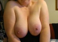 Plan baise occasionnel avec une femme aux gros seins