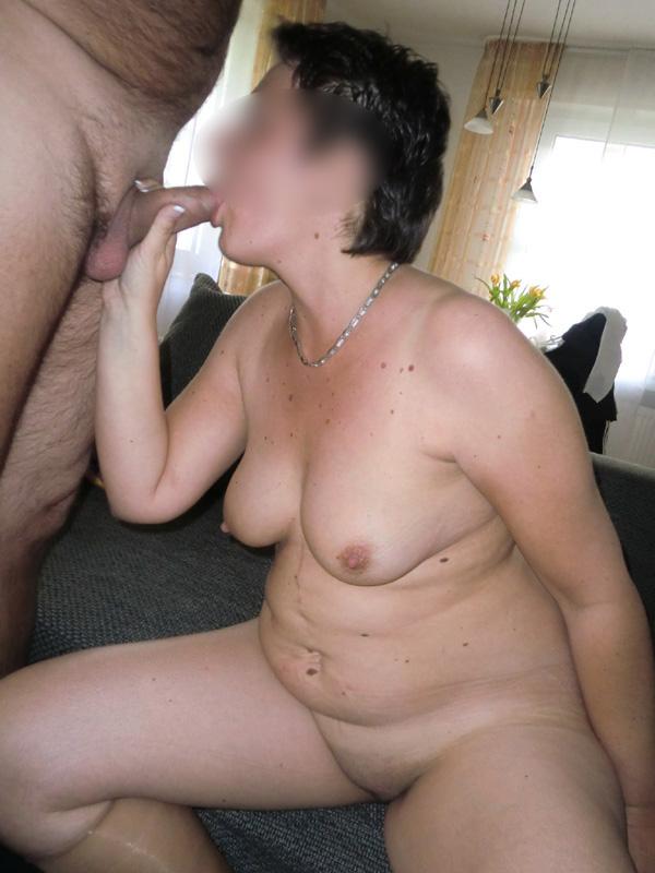 Femme suce son mari
